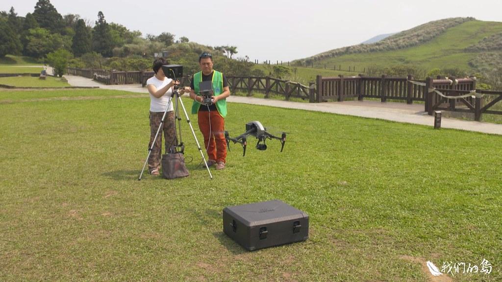 賴玉菁的研究團隊發展出一套藉由空拍機追牛、數牛的方法。