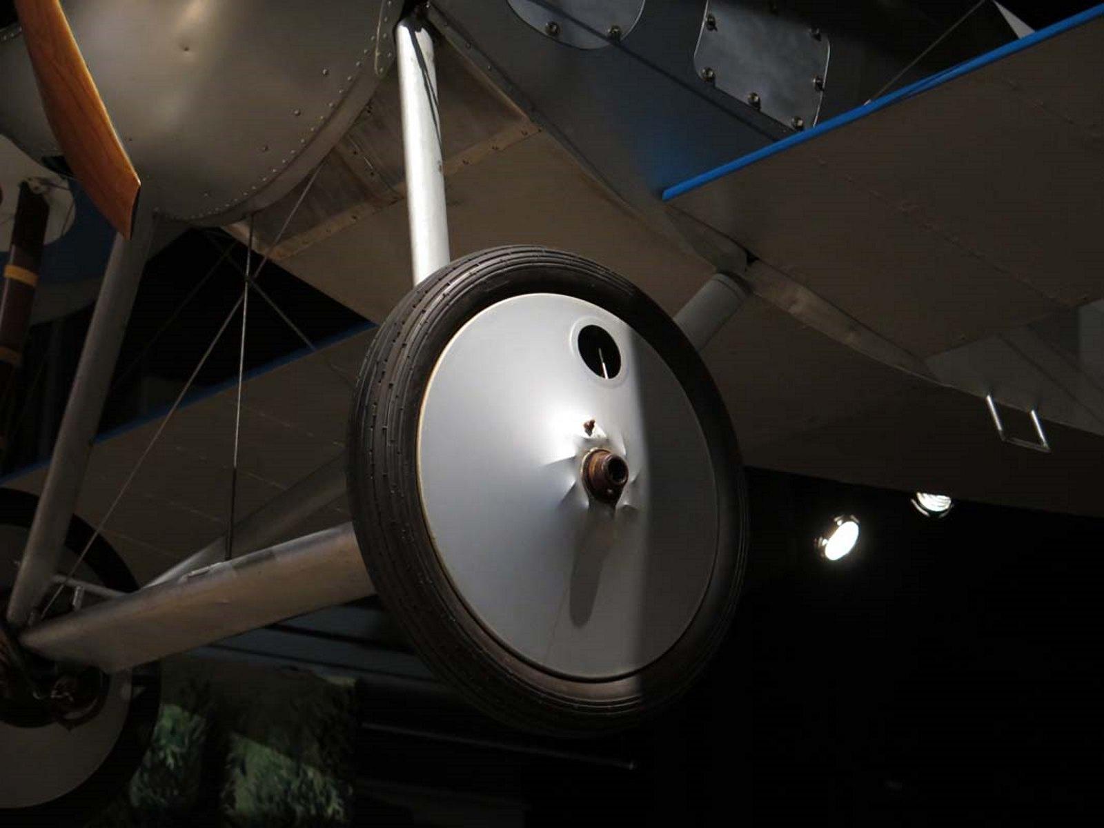 Nieuport 27 6