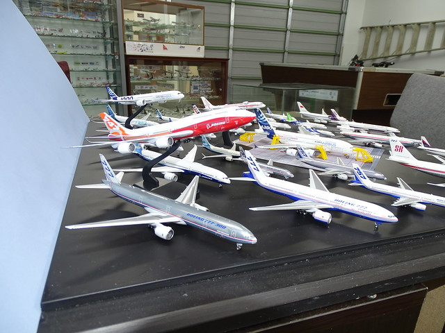 Manufacturer House Colours 1:400 Scale Model Airliner Fleet