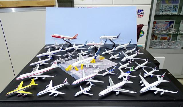 Manufacturer House Colours 1:400 Scale Model Airliner Fleet