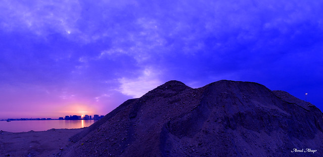 The first moments of sunrise .. اللحظات الأولى لشروق الشمس