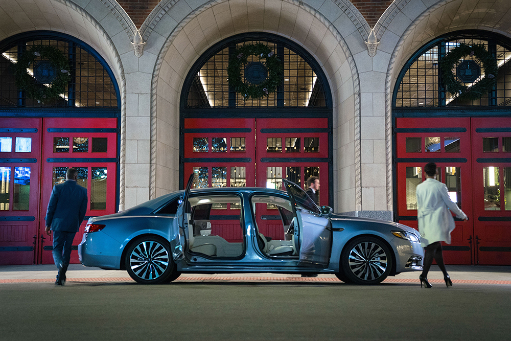2020-lincoln-continental-coach-door-edition-106-1570205313