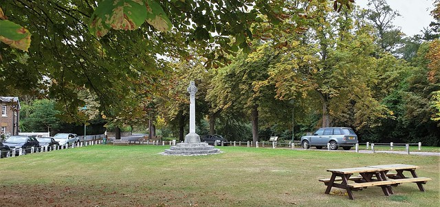 Letchmore Heath Village Green