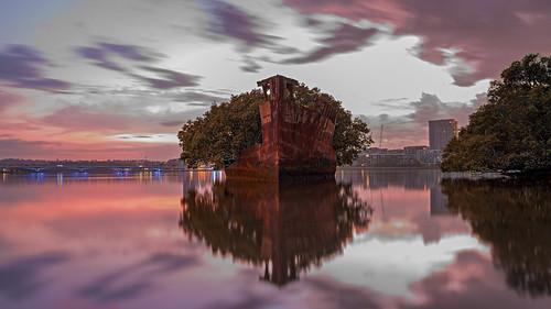 focus ssayrfield shipwrecks sunrise