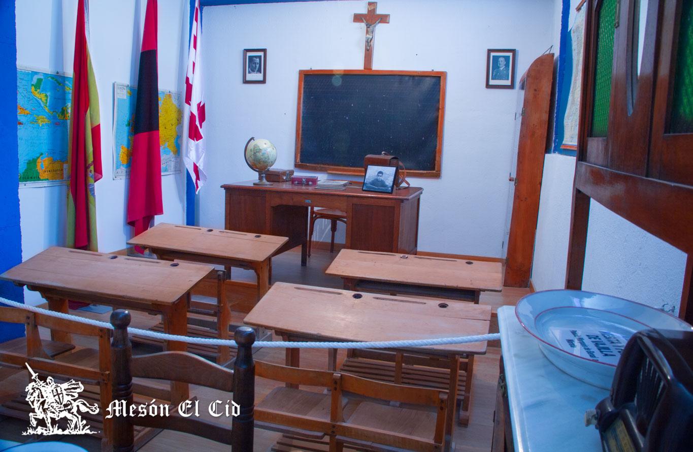 Escuela de la Posguerra