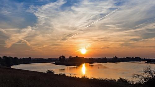sonnenaufgang sunrise sonne elbe geesthacht water river wasser landschaft fluss
