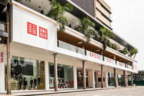 UNIQLO Manila Global Flagship Store Facade