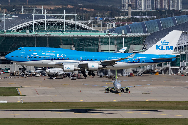 KLM Royal Dutch Airlines Boeing 747-406M (PH-BFW)