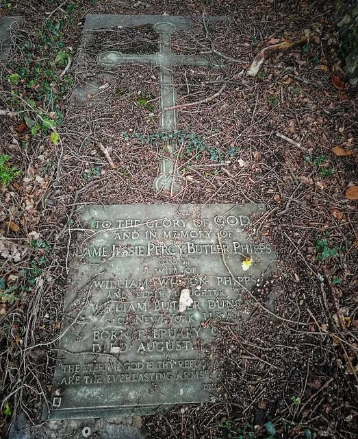 Churchyard of Christ Church, Chorleywood
