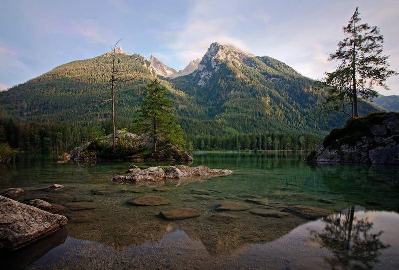 Hochkalter behind the Hintersee Lake