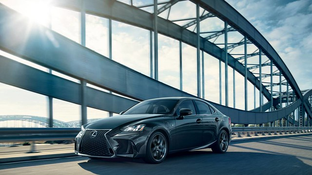 2020_Lexus_IS_F_SPORT_slashbeats