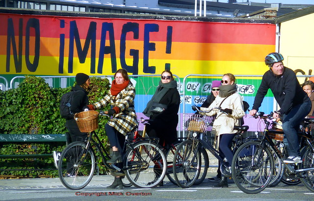 Copenhagen winter sun for girls on bikes