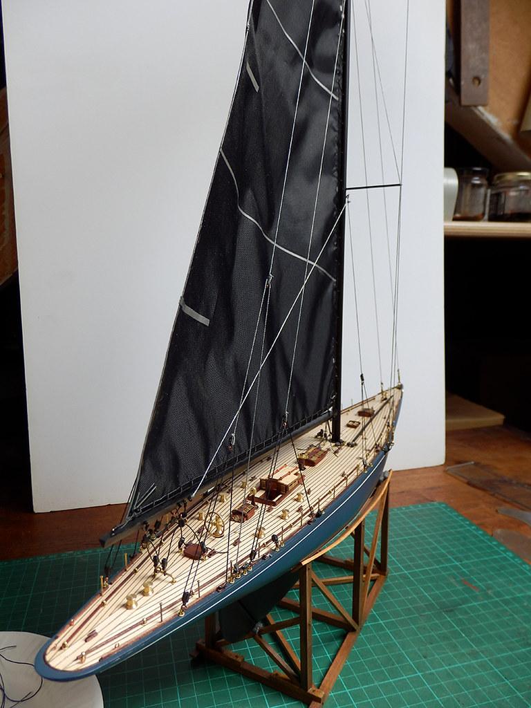 Endeavour 1934 - yacht J-class - 1:80 Amati - Page 4 48860049331_56485d5947_b