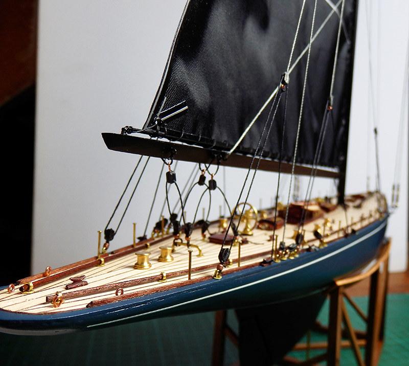 Endeavour 1934 - yacht J-class - 1:80 Amati par Ekis - Page 3 48860049866_12fa280d60_c