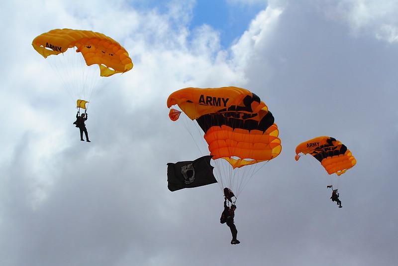 IMG_4282 US Army Golden Knights, MCAS Miramar Air Show