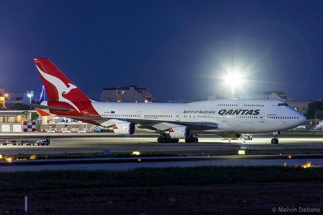 Qantas Boeing 747-438ER     VH-OEE     LMML