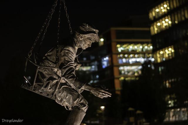 Imre Soós Statue
