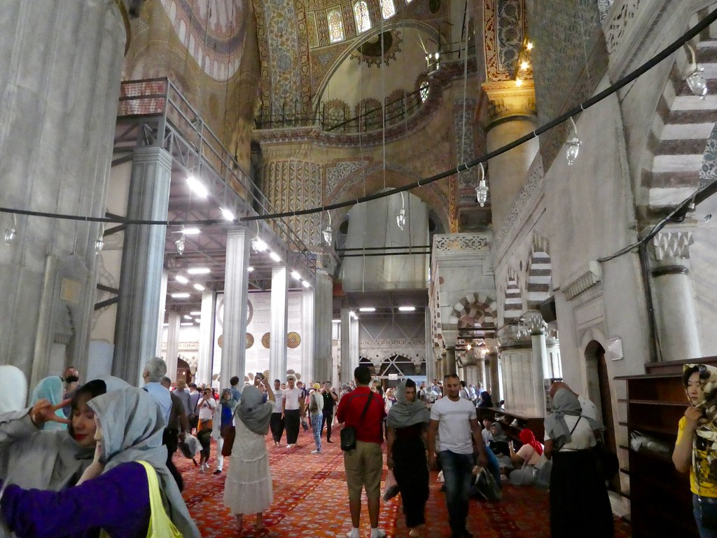 Exploring the Blue Mosque, Istanbul