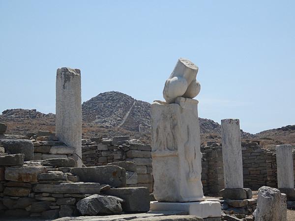 oups la statue de Dé