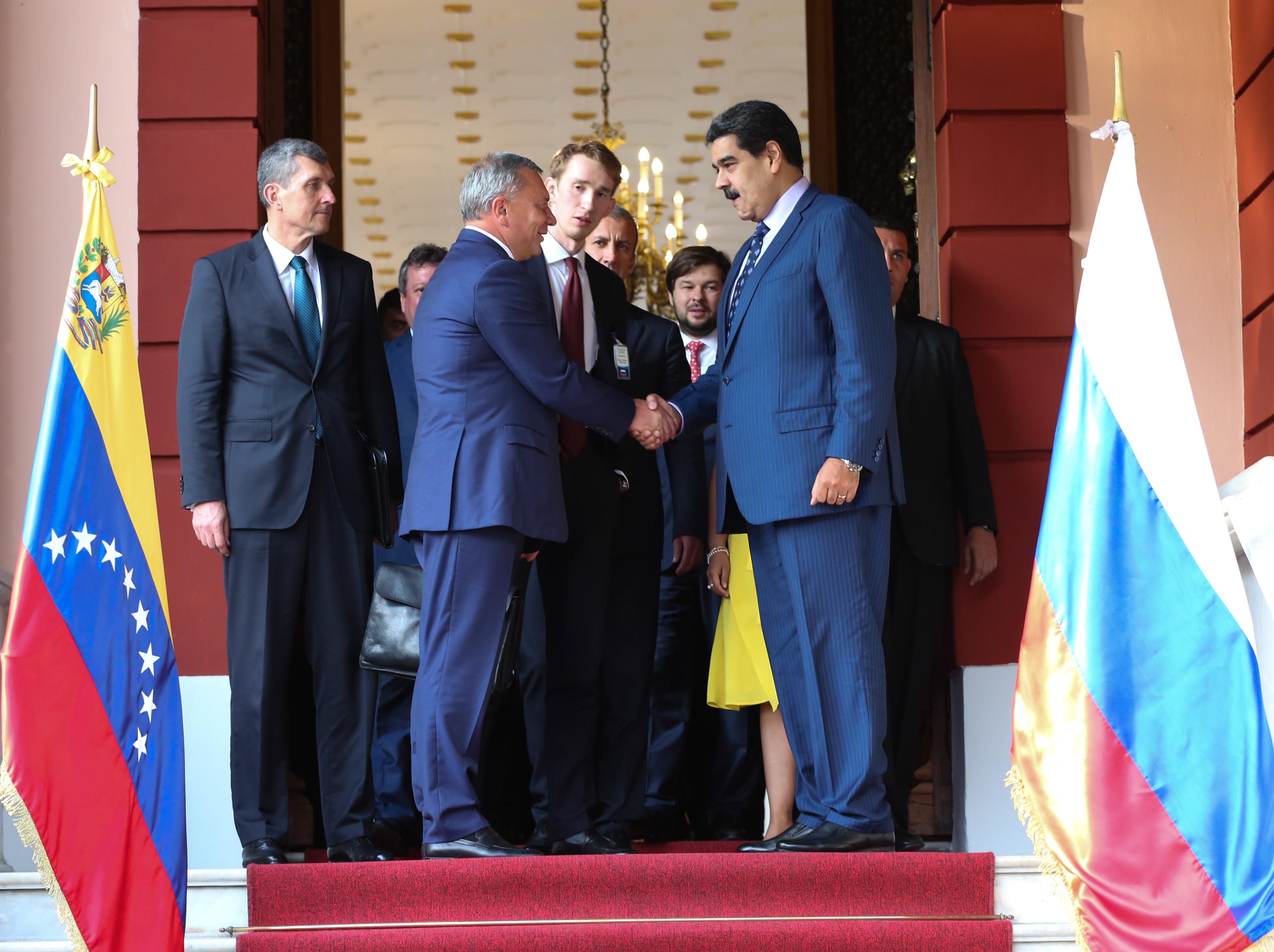 Presidente Nicolás Maduro recibe a delegación rusa en Miraflores para revisar cooperación bilateral