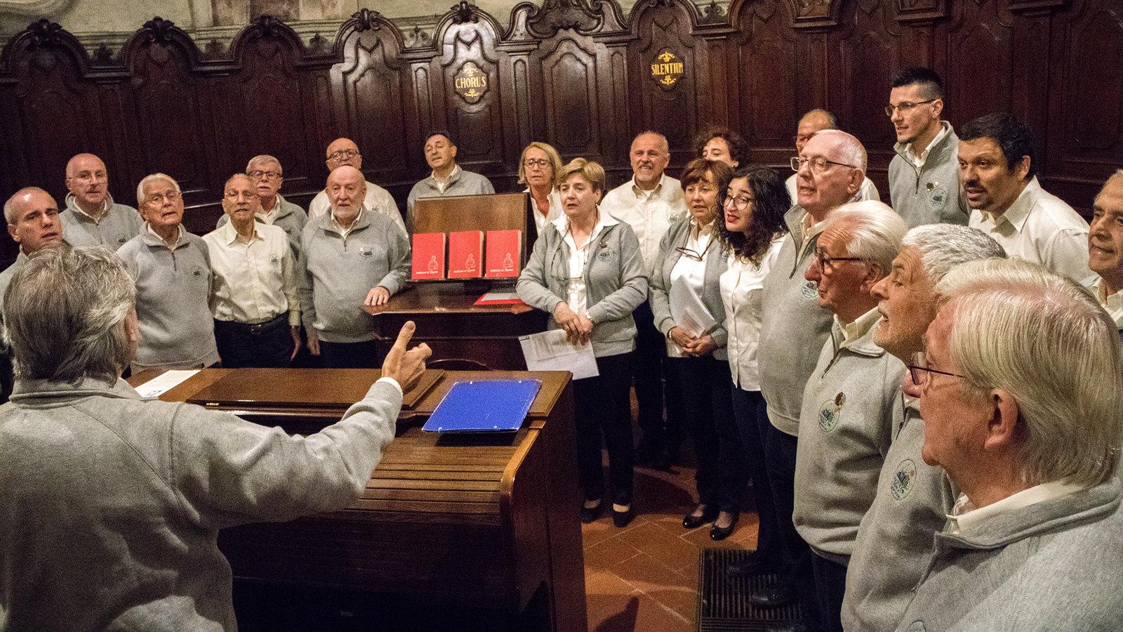 Il Coro Alpe anima la S. Messa