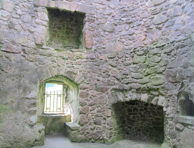 Orchardton Tower, Interior