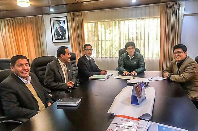 Alcalde Boris Chavez se reúne con gobernador regional de cusco para tratar diversos temas para el desarrollo de Echarati