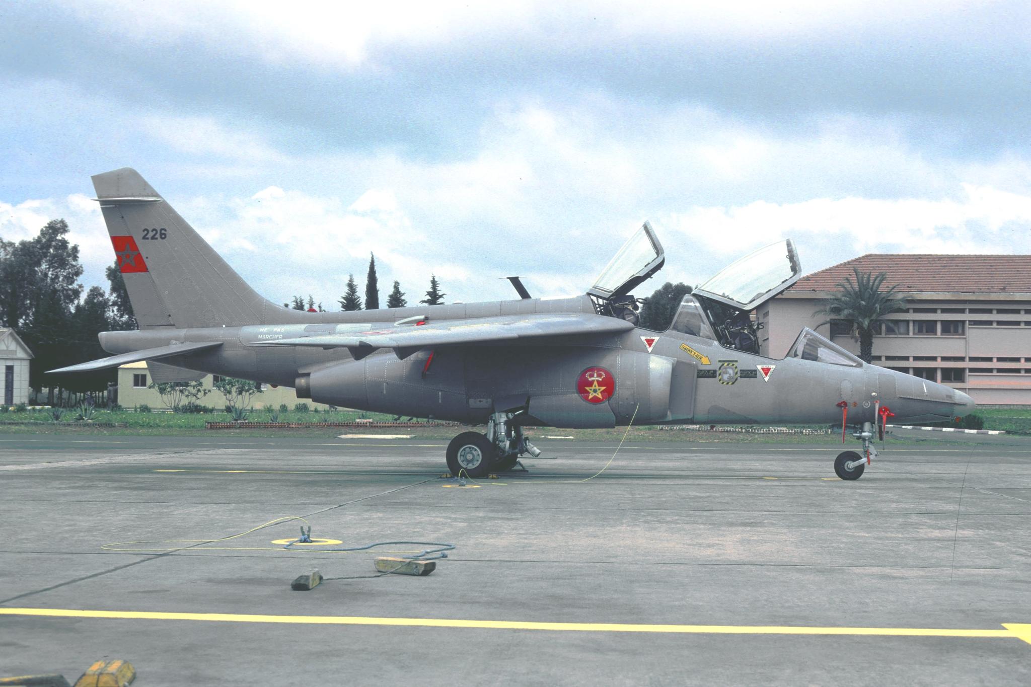 FRA: Photos avions d'entrainement et anti insurrection - Page 9 48862597161_73ca06cd2a_o