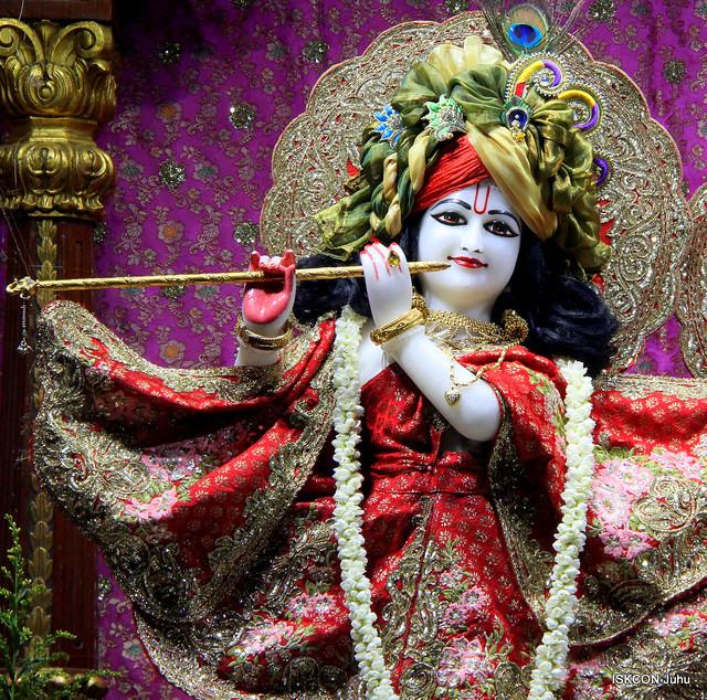 ISKCON Juhu Mangal Deity Darshan on 8th Oct 2019
