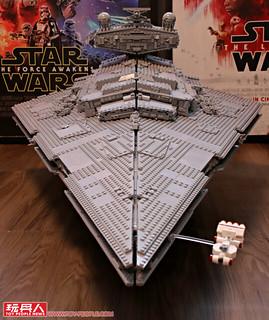 存在感爆表,組裝完成長度突破一公尺的超狂巨艦! LEGO 75252 UCS 系列《星際大戰》帝國滅星者戰艦 Imperial Star Destroyer 開箱報告