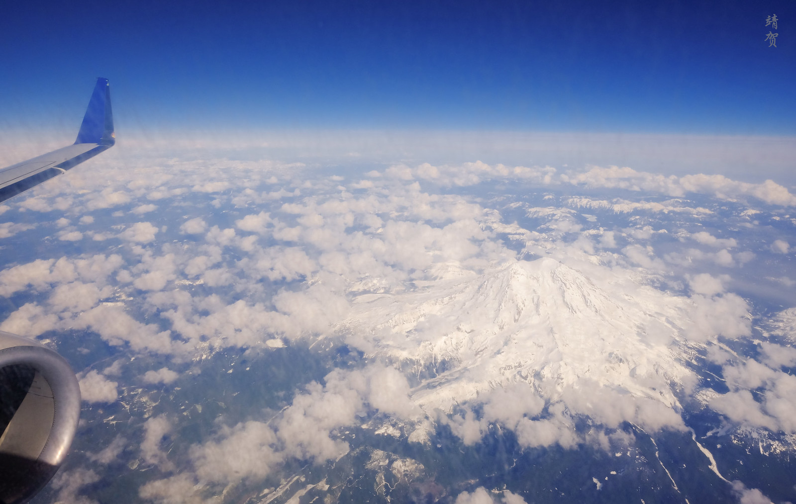 Flying past Mt Rainier
