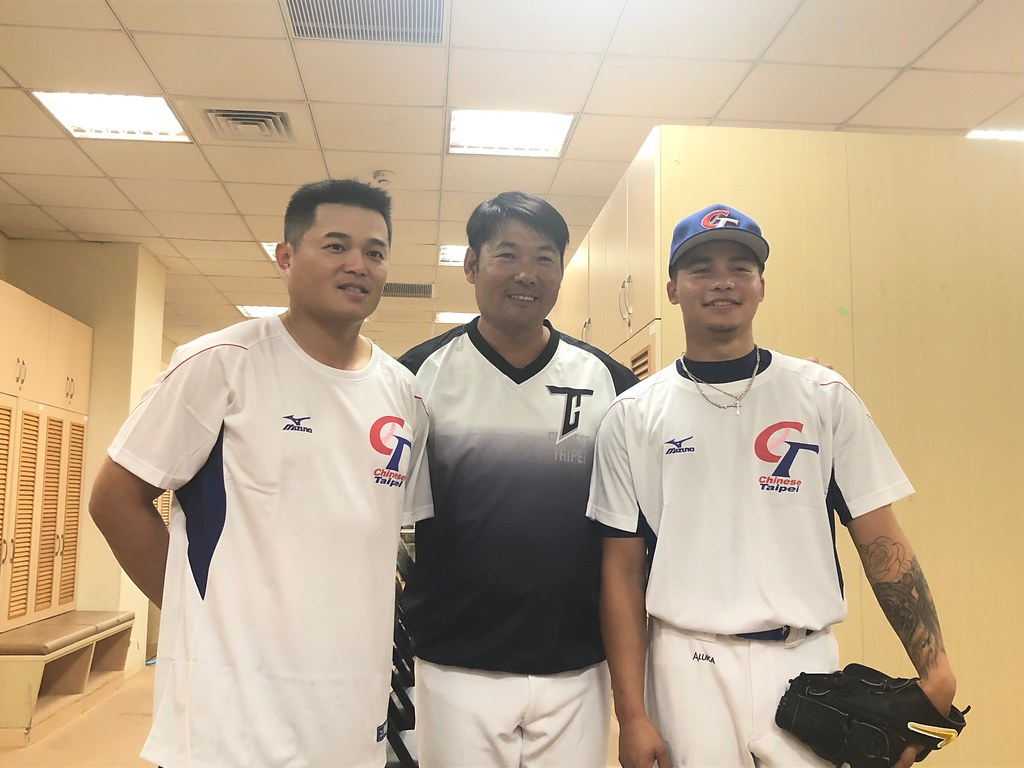 12強今天開訓,胡金龍(左)、黃甘霖(中)、林凱威。(賴冠文/攝)
