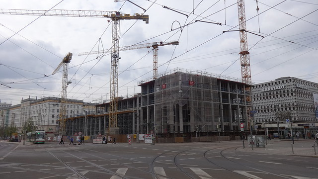 2016/19 Magdeburg Verwaltungsgebäude der Stadtwerke (SWM) 13Et. von Ulrich Junk/Klaus Reich Ernst-Reuter-Allee 14 in 39104 Mitte