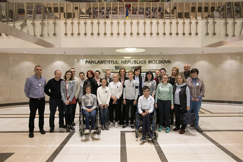 """08.10.2019 Beneficiarii Centrului """"Speranța"""" în vizită la Parlament"""