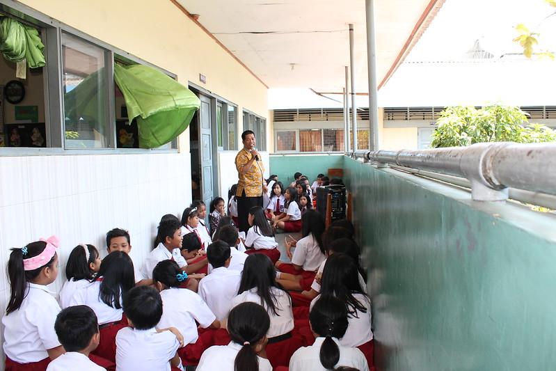 Perlombaan untuk memperingati Bulan Kitab Suci Nasional di Sekolah