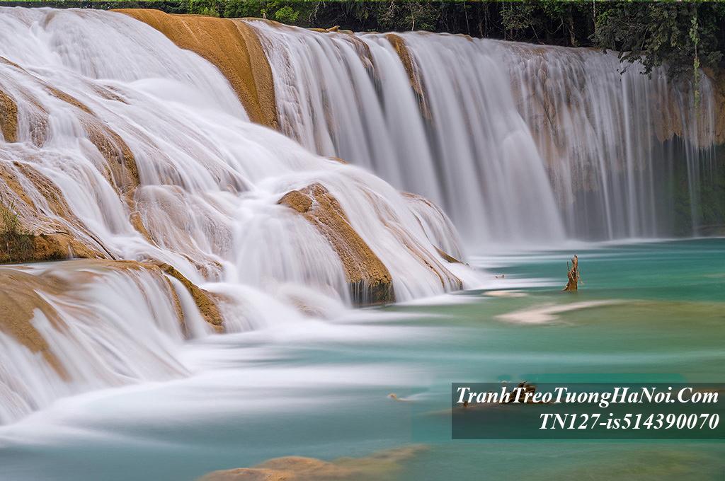 Hinh anh thac nuoc treo tuong bac thang dep mat TN127-is514390070