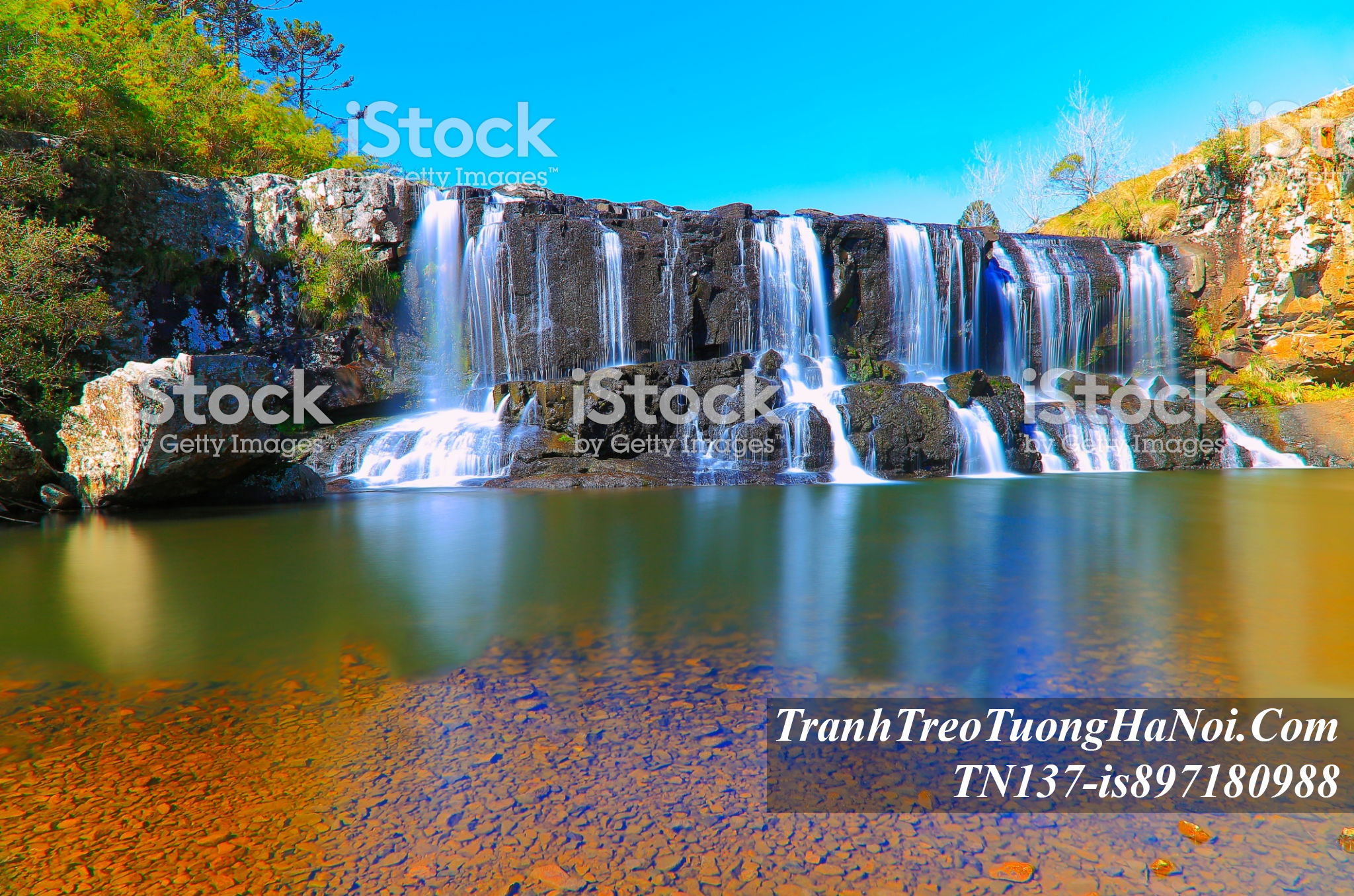 Phong canh thac nuoc dep do xuong song ho amia TN137-is897180988-Croatia