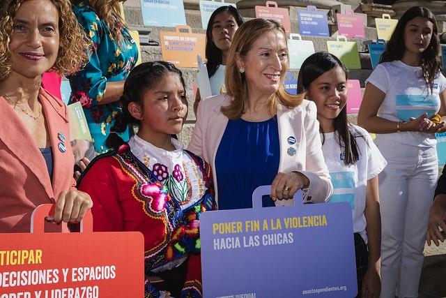Ana Pastor, Sandra Moneo y Elvira Velasco en el Día de la Niña
