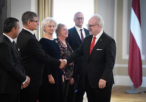 Valsts prezidents Egils Levits tiekas ar ārvalstu goda konsuliem Latvijā