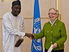 NEW PERMANENT REPRESENTATIVE OF NIGER PRESENTS CREDENTIALS TO THE DIRECTOR-GENERAL OF THE UNITED NATIONS OFFICE AT GENEVA