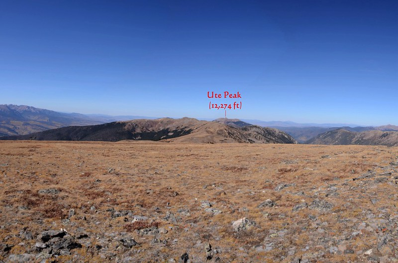 Looking northwest at mountains from Ptarmigan Peak's summit_副本