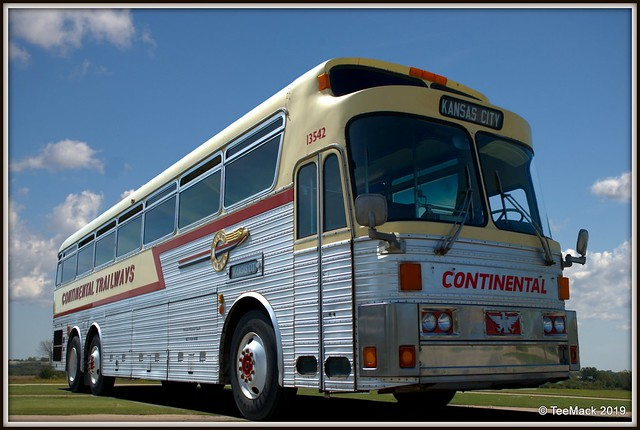 Continental Trailways Silver Eagle Bus 13542
