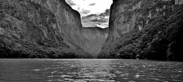 MEXICO, Yukatan , Chiapas ,  Sumidero Canyon, 19328/12010