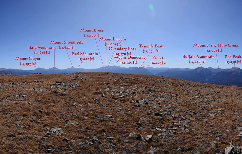 Looking south at mountains from Ptarmigan Peak's summit_副本