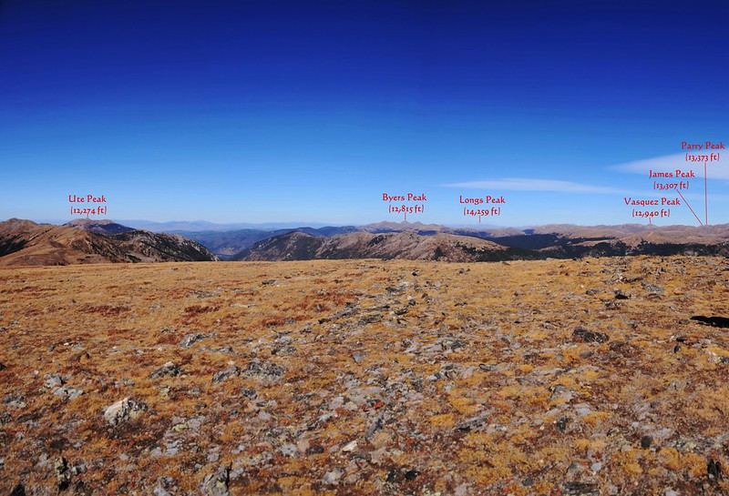 Looking north at mountains from Ptarmigan Peak's summit_副本