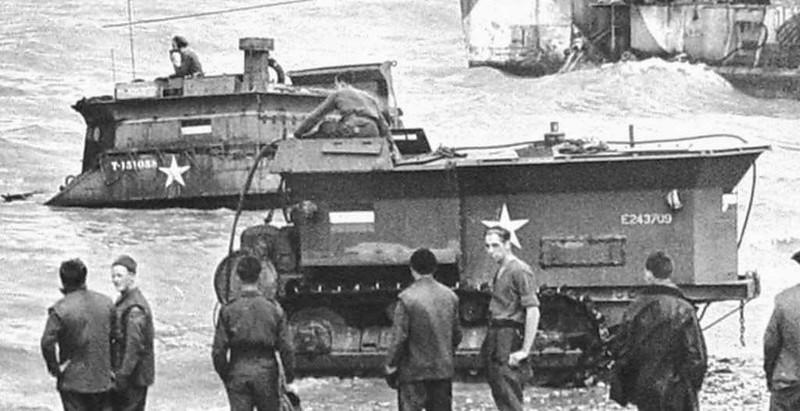 Caterpillar-D8-BARV-Sherman-BARV-Normandy-1944-tec-1