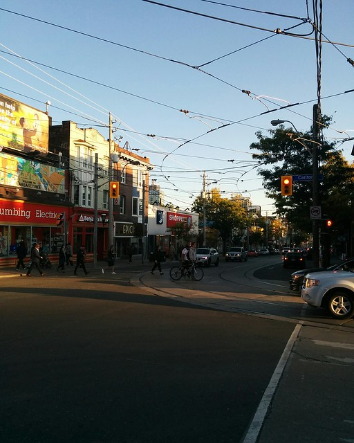 Looking south, Parliament at Carlton #toronto #cabbagetown #parliamentstreet #carltonstreet #intersection #wires