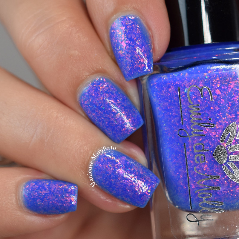Emily De Molly Dead Or Alive swatch