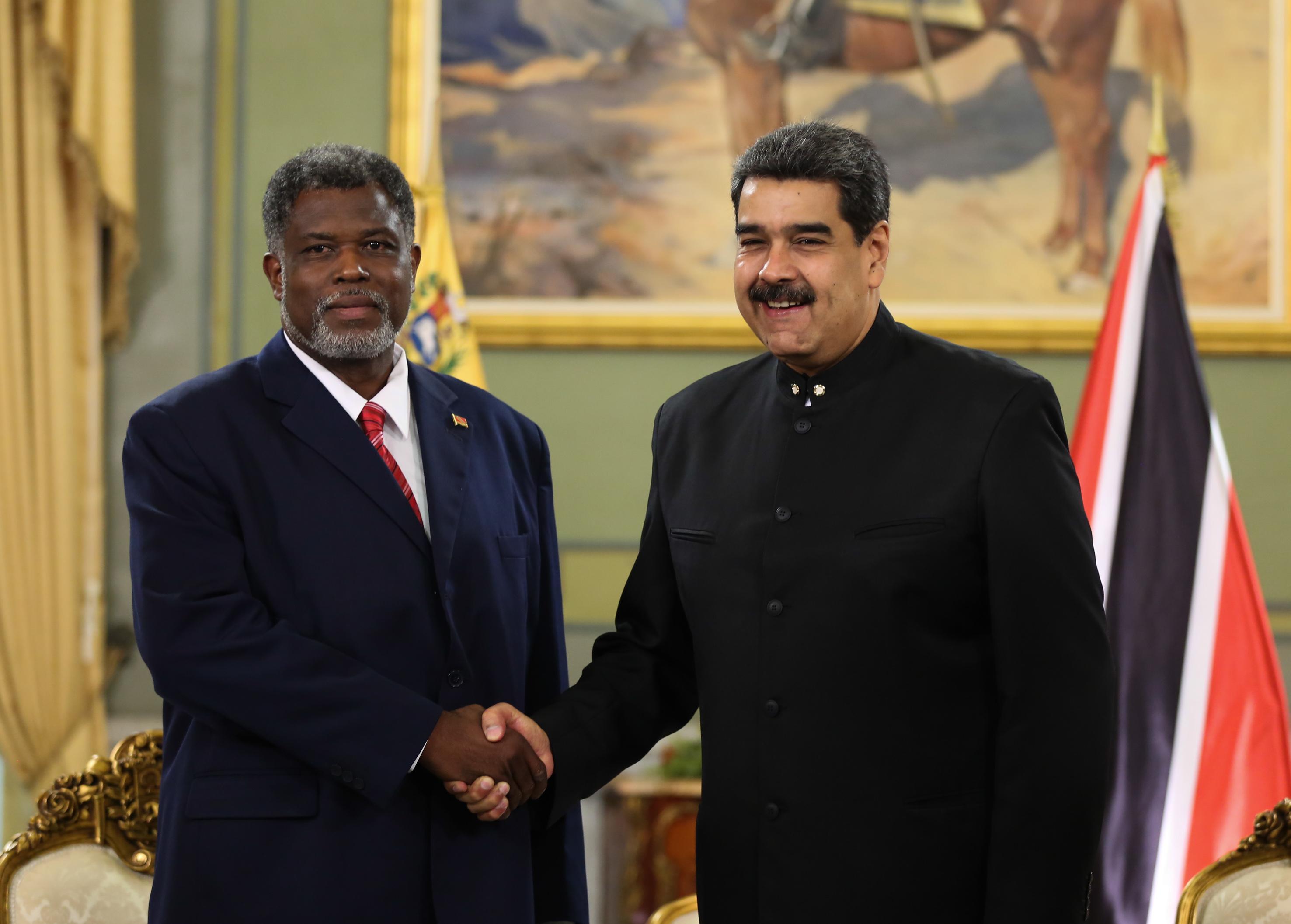 Presidente Maduro recibe cartas credenciales de la República de Trinidad y Tobago
