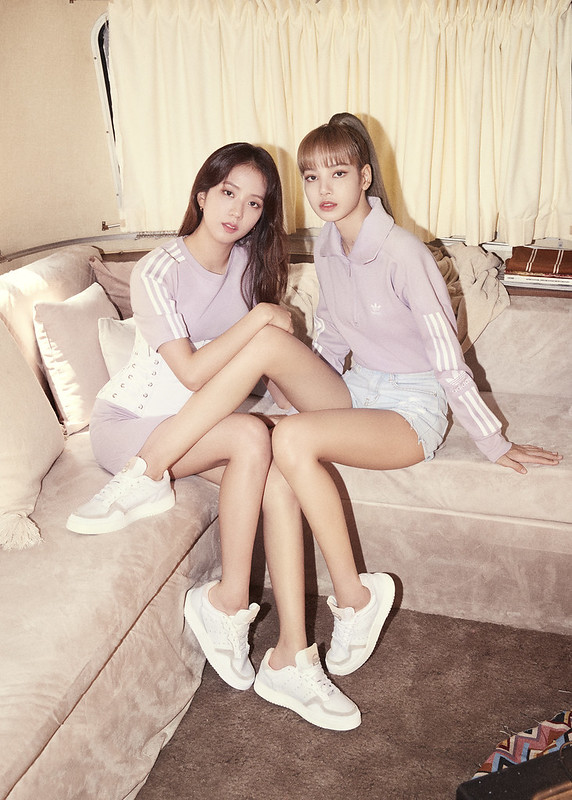 Lisa & Jisoo_2